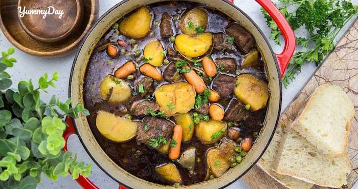 Hướng dẫn nấu món bò hầm rau củ thơm ngon mà cực đơn giản