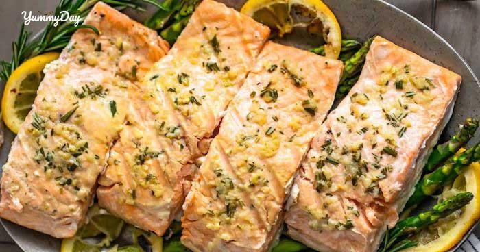 Cá hồi chiên bơ tỏi ngất ngây như dùng bữa ở nhà hàng Tây