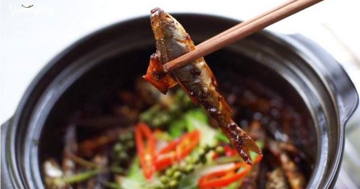 Đắm đuối với món cá linh kho me cá ngon chắc thịt đậm đà, màu đẹp