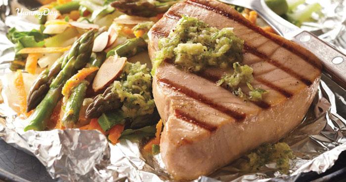 Cá ngừ nướng giấy bạc ngon hết sẩy làm dân tình chao đảo