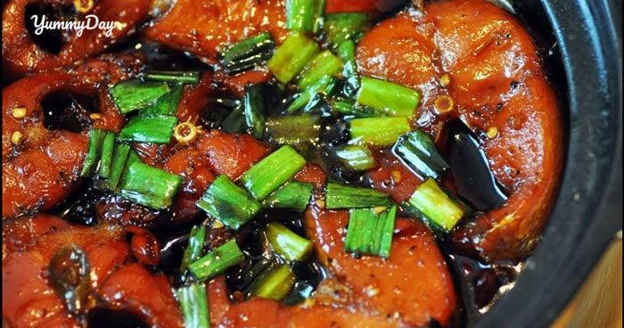 Thực hiện món cá thu kho tiêu bổ dưỡng cho sức khỏe