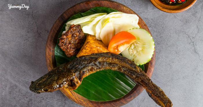 Nhâm nhi cùng với món cá trê nướng lai rai cuối tuần