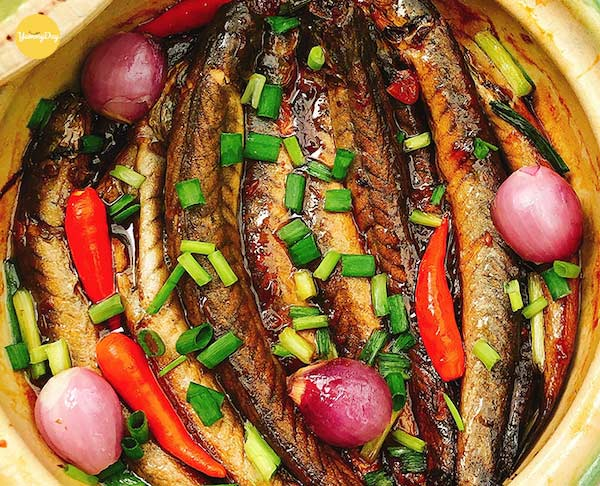 Cách làm cá kèo kho tộ ngon ngất ngây đơn giản tại nhà - YummyDay