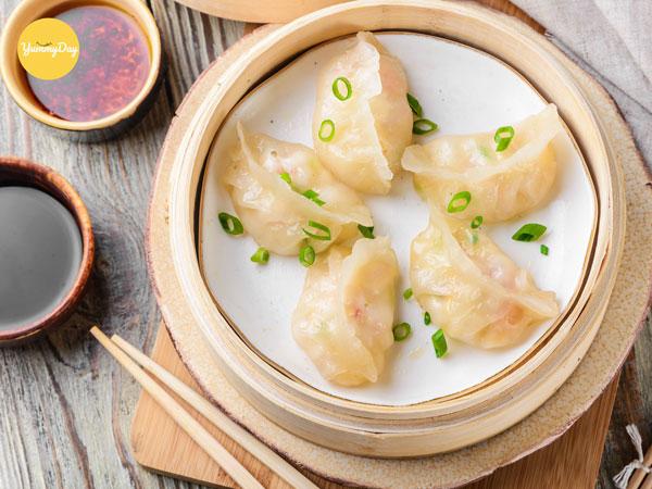 Cách làm hoành thánh tôm thịt chuẩn vị Trung Hoa - Yummyday
