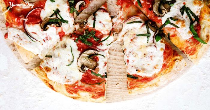 Cách làm pizza bằng chảo đơn giản hơn bao giờ hết