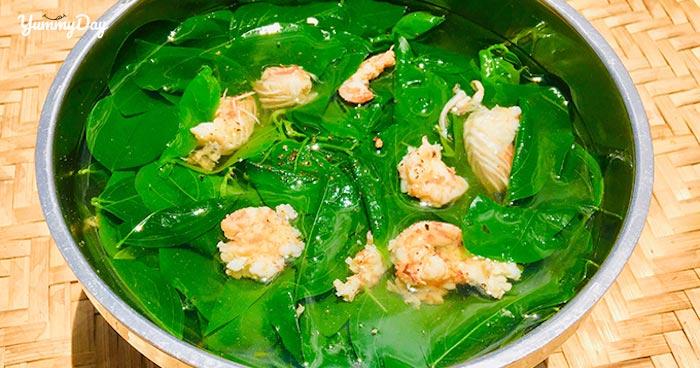 Canh rau ngót nấu tôm bổ sung dưỡng chất dồi dào