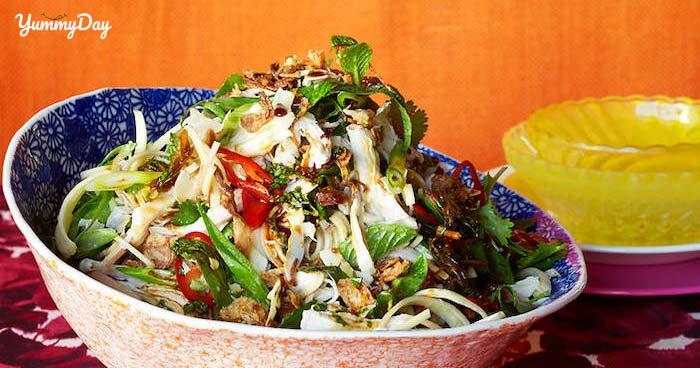 Cách làm gỏi gà bắp chuối thơm ngon trọn vị cho cả gia đình