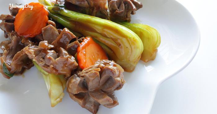 Cách làm lòng gà xào rau cải thơm ngon đơn giản tại nhà