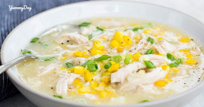 Ấm lòng với món súp gà ngô thơm ngon bổ dưỡng ngày se lạnh