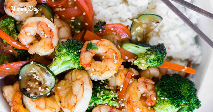 Biến hóa món tôm xào rau củ thành món ăn đầy đủ dinh dưỡng